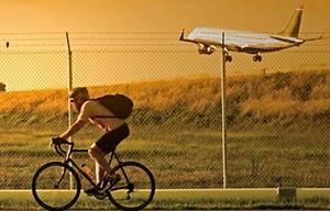 Pista ciclabile Fiumicino Focene costeggia l'aeroporto